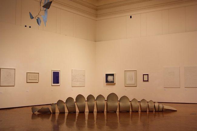 Генри Мур - Галерея современного искусства.