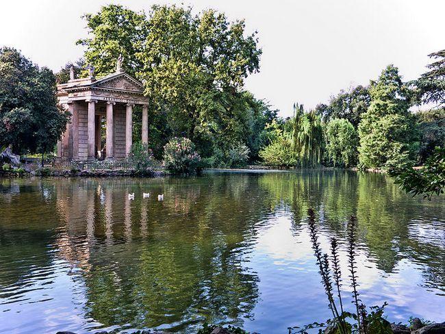Храм Эскулапа в парке - Вилла Боргезе