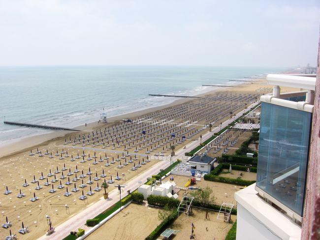 Отели и пляжи - Лидо-ди-Езоло