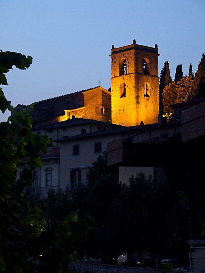 Церковь Святого Петра (вечером) - Монтекатини Терме