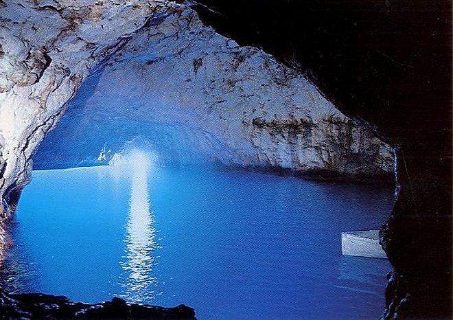 Голубой грот (лазуревый грот) - остров Капри
