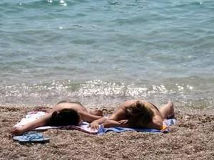 Лето вернулось - отдых на пляже осенью