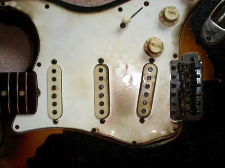 Один из первых образцов Fender