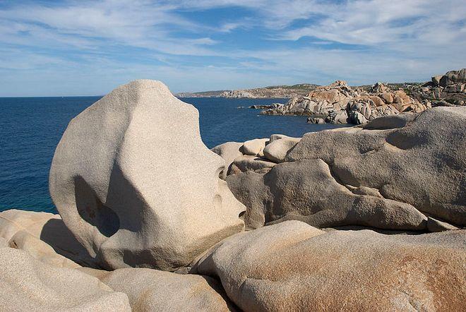 Камни в Капо Теста