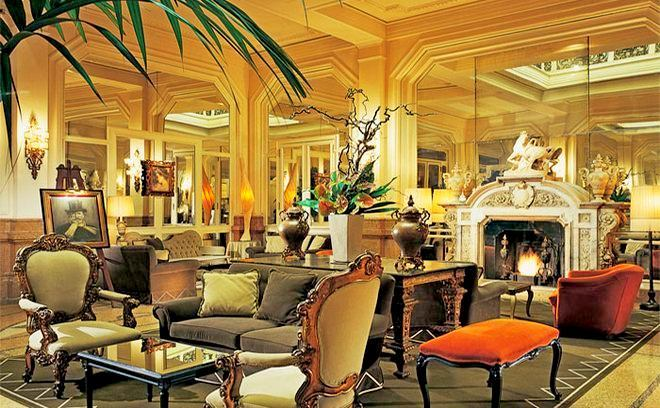 Фойе в Grand Hotel Et De Milan
