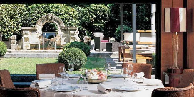 Ресторан в отеле Principe Di Savoia