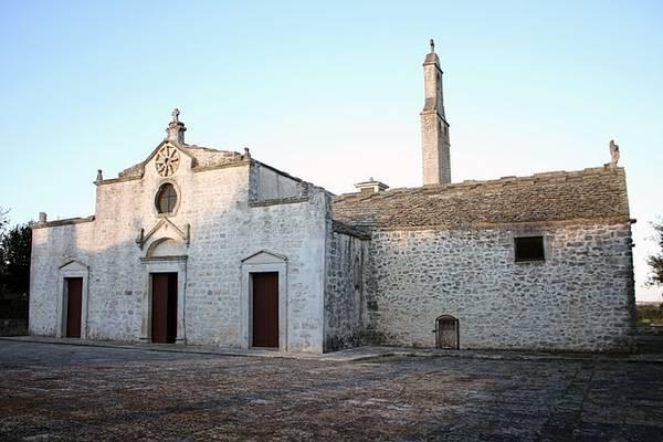 Храм Богоматери в Чистерино (Santuario della Madonna d'Ibernia)
