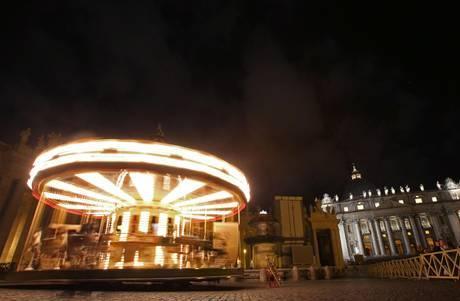 Цирк и карусель для Папы Римского
