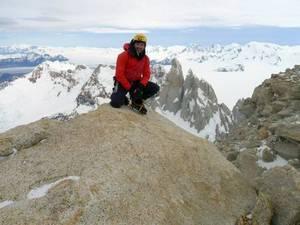 Надежды на спасение альпинистов не осталось