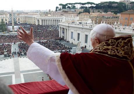 Обращение Бенедикта XVI к верующим на Площади Святого Петра