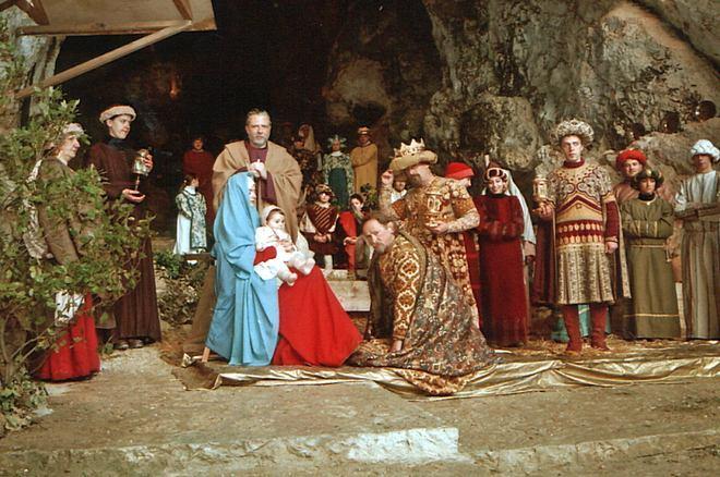 Genga - самый большой вертеп в пещерах Фрасасси