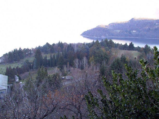 Вид сверху на территорию монастыря