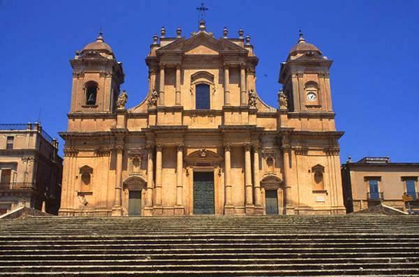 Ното Кафедральный собор (Дуомо) - Сиракузы и Ното теперь и на языке жестов