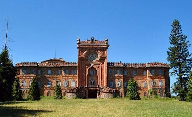 Замок Саммеццано (Castello di Sammezzano)