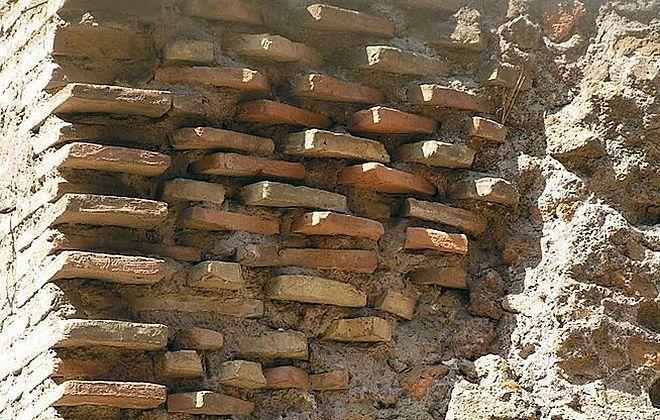 Термы Каракаллы - фрагмент кладки стен