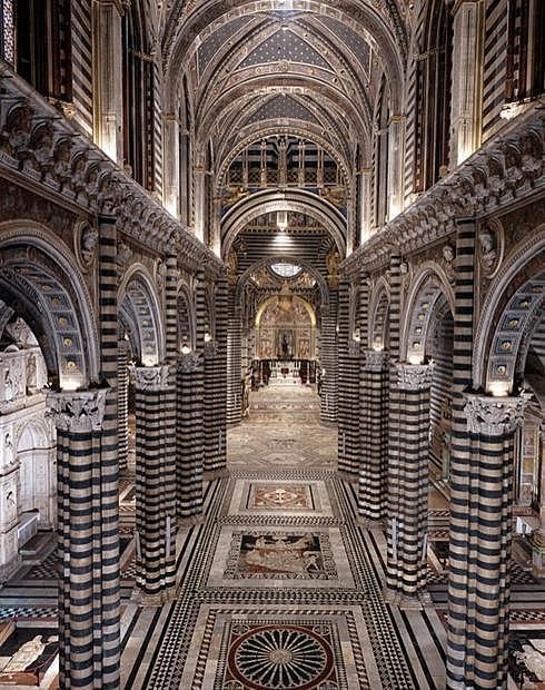 Мраморный пол в соборе Сиены открыт для осмотра