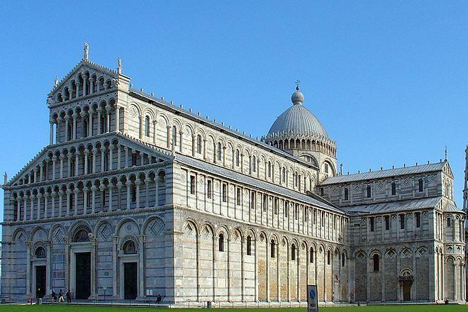 Кафедральный собор Пизы (вид с западной стороны)