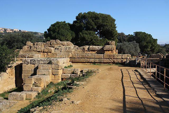 Храм Зевса Олимпийского (руины)