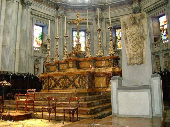 Внутри собора - Дуомо - Кафедральный собор Комо