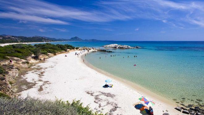 Пляж в Коста Рей - остров Сардиния