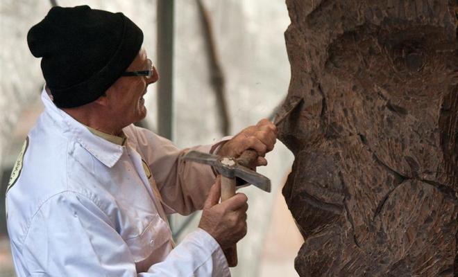 Мастер за работой - Изготовление скульптур из шоколада