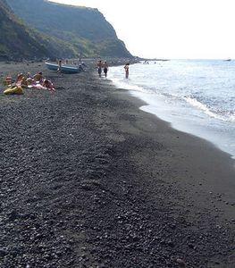 Черный пляж Катании