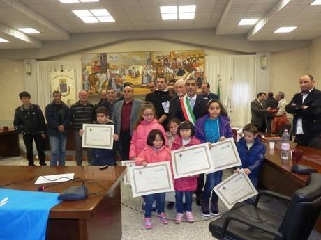 Дети иммигрантов становятся итальянцами - на фото почетные граждане Италии