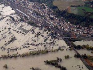Наводнение в Италии: реки выходят из берегов