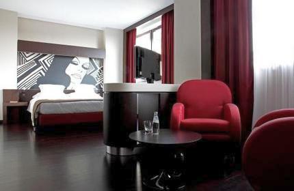 Комната в отеле Crowne Plaza