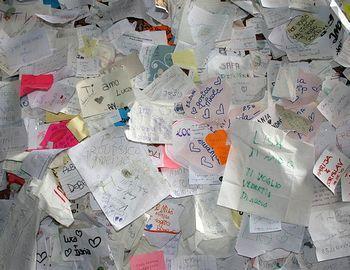 Письма влюбленных на стене Дома Джульетты