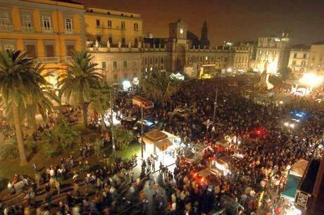 Неаполь: «белая ночь» искусств