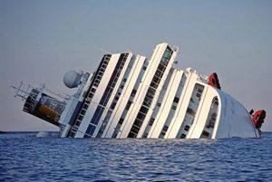 Скала, потопившая Costa Concordia, вернётся в море