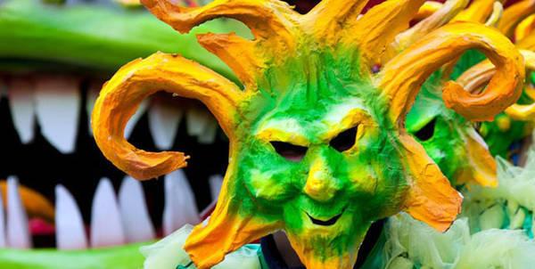 Карнавал в Фояно - аллегорическая маска