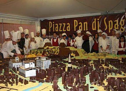 Шоколадная Piazza pan Spagna - Фестиваль шоколада Cioccolentino 2013 в Терни