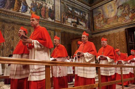 Кардиналы во время конклава в Сикстинской капелле