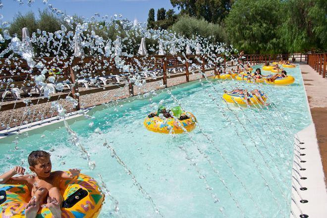 Ленивая река - аттракцион для детей