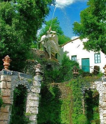 Статуя Фамы