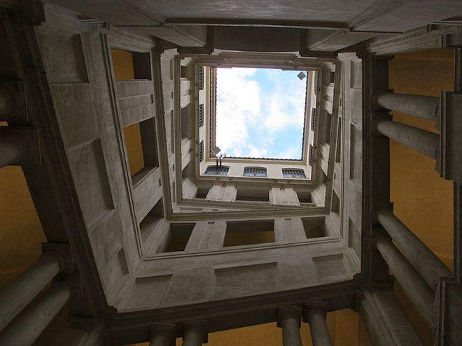 Лестница Бернини