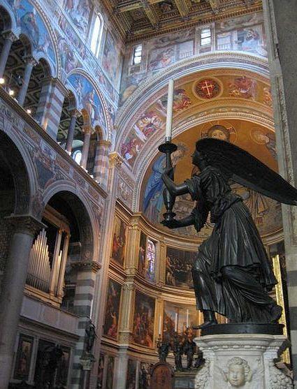 Интерьер пизанского собора