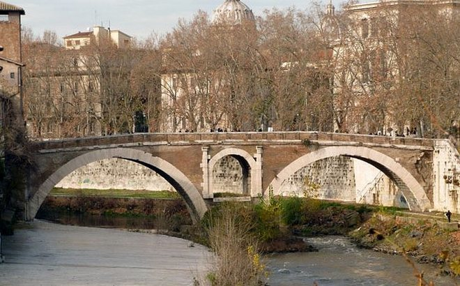 Мост Фабрицио - остров Тиберина