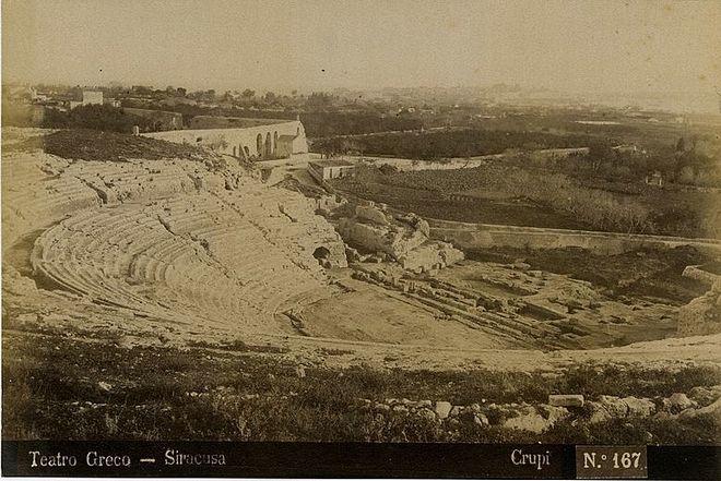 Греческий театр в Сиракузах в 1900 году